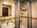 Kleopatra-Royal-Palm-bathroom-723x407